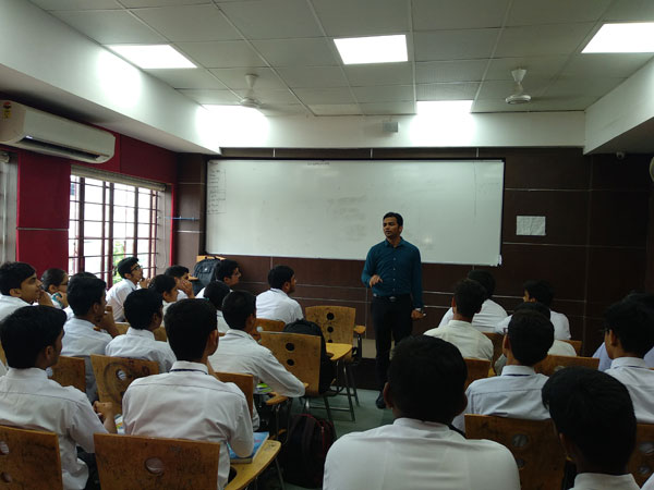 Career counseling session for students
